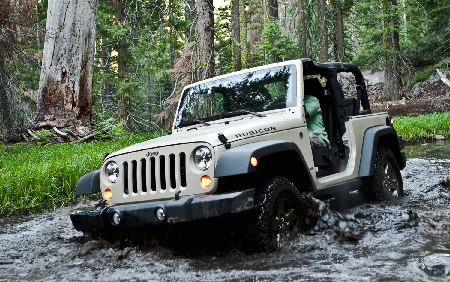 buying a jeep wrangler what you need to know automall blog. Black Bedroom Furniture Sets. Home Design Ideas