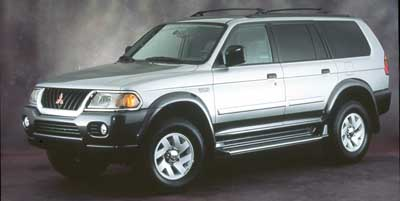 2000 Mitsubishi Montero Sport photo